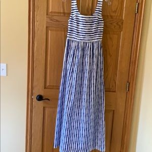 Vineyard Vines maxi dress size 4 NWT